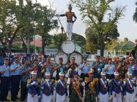 Kapolda Sulsel Saksikan Penampilan Drum Band Taruna TNI AU di Lapangan Rujab Gubernur Sulsel