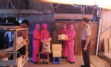 Aksi Seribu Rupiah, Polrek Baraka Bantu Warga Kurang Mampu