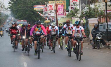 Wakapolda Sulsel Pantau Kamtibmas Kota Makkasar dengan Bersepeda