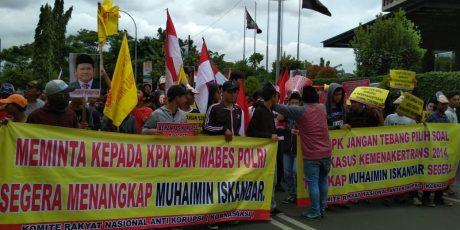 Kasus Kardus Duren, Ratusan Massa Geruduk Gedung KPK