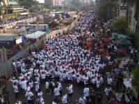 Viral Kelompok Pemakai Kaus #GantiPresiden2019 Lakukan Intimidasi Massa Pendukung Jokowi