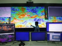 Peringatan BMKG, Hujan Lebat Disertai Angin Kencang Landa Jakarta 3 Hari Kedepan