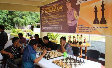"""""""Kapolres Cup"""", Polres Enrekang Gelar Turnamen Catur yang Diikuti Puluhan Peserta"""