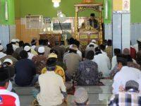 Subhanallah, Personil Polres Enrekang Jadi Khatib dan Imam