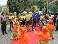 Asian Games, Gowes Jelajah Sepeda Nusantara di Sambut Bupati dan Kapolres Enrekang di Kota Enrekang
